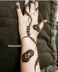 Searching for stylish mehndi designs for the party that look gorgeous? Stylish Mehndi Design is the best mehndi design for any func. Wedding Henna Designs, Engagement Mehndi Designs, Floral Henna Designs, Arabic Henna Designs, Mehndi Design Pictures, Modern Mehndi Designs, Mehndi Designs For Girls, Mehndi Designs For Beginners, Mehndi Designs For Fingers