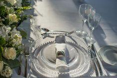 Chic wedding table setting at Alsos Nimfon in Athens, transparent plate, silver cutlery || Στήσιμο τραπεζιού γάμου Bali, Wedding Decorations, Wedding Decor