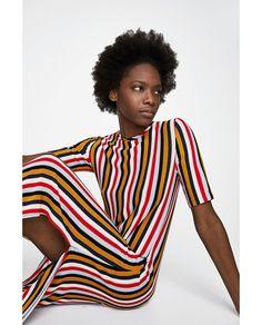 ccd11975a9d4 9 bästa bilderna på fashion | Zara women, Gowns och Dresses for sale