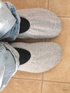 Great slippers from a sweatshirt.Good idea...