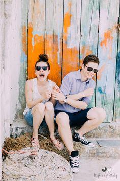 #engagementsession #sunny #sun #italy #procida #smile #love #engagement #rayban #vintage #bajkowesluby