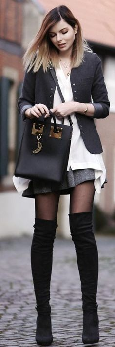who needs color - clothed - fashion blog / Travel Blog Germany Dress - fashion blog / Travel Blog Germany