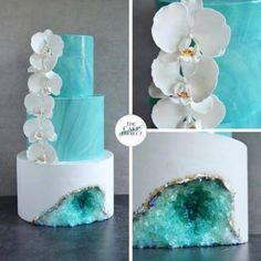 Son tortas Cubiertas con asombrosos cristales comestibles. Estos pasteles atípicos se volvieron virales después de que la pastelera Rachel Teufel creara un diseño con forma de amatista.