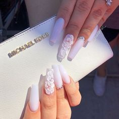 If you want to create an interesting yet stylish look for your nails, you should consider white nail designs. The bright, crisp color highlights your nails, while their neutrality does not always make Clear Acrylic Nails, Summer Acrylic Nails, Summer Nails, Pastel Nails, Purple Nails, Black Nails, Spring Nails, White Coffin Nails, Orange Nails