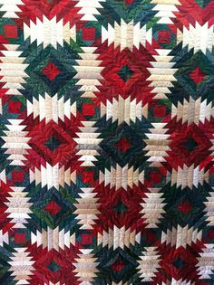 Holiday Pineapple quilt-  beautiful !