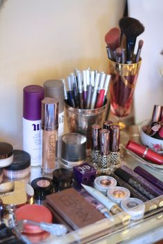 An item just for me.hundreds of makeup! Makeup Tips, Beauty Makeup, Hair Beauty, Makeup Ideas, Beauty Secrets, Beauty Hacks, Beauty Ideas, Beauty Tips, Beauty Products