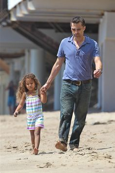 Halle Berry and Olivier Martinez spend Easter at the Beach
