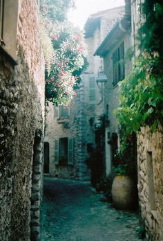 St-Paul de Vence, France - I loved this charming little town - artsy, quaint... just lovely.