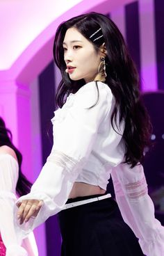 K-Pop Babe Pics – Photos of every single female singer in Korean Pop Music (K-Pop) Korean Beauty, Asian Beauty, K Pop, K Drama, Jung Chaeyeon, Netflix, Pretty Females, Bts And Exo, Girls Characters