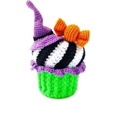 Excited to share this item from my shop: Amigurumi food – pattern - Crochet cupcake - Easy ami Crochet Cake, Crochet Birds, Crochet Food, Crochet Bunny, Hat Crochet, Crochet Animals, Halloween Crochet, Holiday Crochet, Halloween Fun