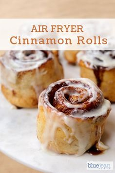 Homemade cinnamon rolls are so easy and fun to make. This recipe to make them in the air fryer is so quick and come out amazing. Make the dough ahead, freeze and air fry fresh rolls at any time for a warm and gooey breakfast or treat. Air Frier Recipes, Air Fryer Oven Recipes, Air Fryer Recipes Breakfast, Air Fryer Cake Recipes, Airfryer Breakfast Recipes, Crepes, Macarons, Blue Jean Chef, Cinnamon Recipes