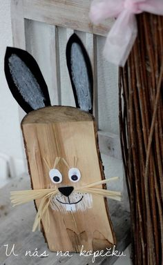 Wood Slice Crafts, Wood Crafts, Diy And Crafts, Creative Box, Diy Ostern, Garden Deco, Spring Crafts For Kids, Classroom Decor, Easter Bunny