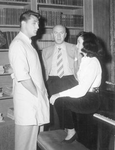 """Robert Mitchum, Otto Preminger and Jean Simmons on the set of """"Angel Face"""" 1952."""