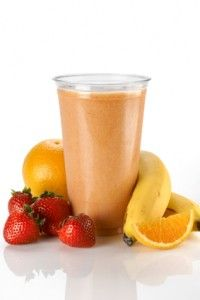 Morning Mover Ingredients: 1 orange 1 apple 1 cup of strawberries 1 banana 2 peeled kiwi fruits Action: Juice orange and apple in a juice machine. Then pour it into a blender/food processor along with strawberries, banana and kiwi fruits! Ninja Blender Smoothies, Healthy Smoothies, Healthy Drinks, Smoothie Recipes, Juicer Recipes, Blender Recipes, Vegan Recipes Easy, Raw Food Recipes, Smoothie Mixer
