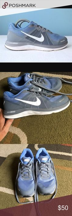 Nike Dual Fusion X 2 sneakers🌸 Nike Dual Fusion X 2 sneakers 🌸 banged up outer right back top a little. Please see pics 🌸 otherwise excellent condition Nike Shoes Sneakers