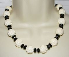 Kenneth J Lane KJL carved off White Asian design Lucite Bead NECKLACE Great Wall