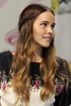 Isabel Lucas, Hairspiration!
