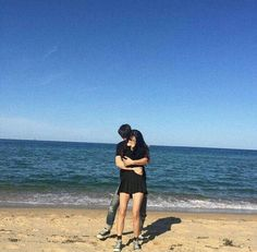 Ulzzang Korean Girl, Ulzzang Couple, Cute Relationship Goals, Cute Relationships, Cute Couples Goals, Couple Goals, Couple Beach, Korean Couple, Couple Aesthetic