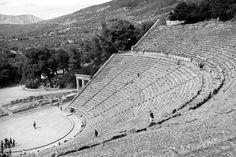 Schönster antikes Theater der Welt Epidauros Olympia, Beach Mat, Greece, Outdoor Blanket, Louvre, Building, Theater, Travel, Travel Report
