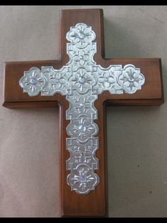 Cruz en aluminio