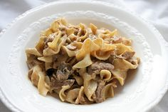 Yummy Slow Cooker Beef Stroganoff (I love this woman's recipes and will check out her blog often!)