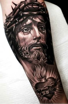 50 Tatuagens Religiosas incríveis você para se inspirar - TopTatuagens Heaven Tattoos, God Tattoos, Forarm Tattoos, Great Tattoos, Skull Tattoos, Body Art Tattoos, Sleeve Tattoos, Jesus Tatoo, Christ Tattoo