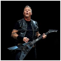 Never opened myself this way.Life is ours, we live it our way.All these words I don't just say...And nothing else matters. METALLICA, James Hetfield, Palau Sant Jordi, Barcelona, 7/2/2018 #metallica #rock #heavymetal #music #livemusic #liveconcert #livenation #livemusicphotography #concertphotography #jameshetfield #larsulrich #kirkhammett #trashmetal #palausantjordi