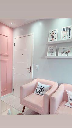 Home Beauty Salon, Home Hair Salons, Beauty Salon Decor, Beauty Salon Interior, Nail Salon Decor, Salon Interior Design, Studio Interior, Blush Living Room, Esthetics Room