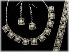 GreeCube set beading TUTORIAL by AsszaBeadingArts on Etsy. This listing is for the Pdf tutorial only. The finished product is not included, there are no supplies included. Seed Bead Tutorials, Beading Tutorials, Beading Patterns, Beading Projects, Beaded Necklace Patterns, Necklace Designs, Beaded Bracelets, Pearl Bracelet, Seed Bead Necklace