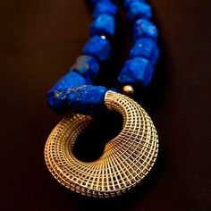 Hella Ganor Necklace: Untitled 2011 Lapis beads, gold The Netline Series Contemporary Jewellery, Modern Jewelry, Jewelry Art, Beaded Jewelry, Jewelry Accessories, Fine Jewelry, Jewelry Necklaces, Jewelry Design, Fashion Jewelry