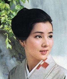 Sayuri Yoshinaga 吉永 小百合 (1945 - )