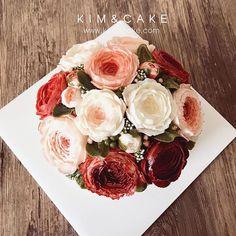 PEONY❣️ #bakingclass#buttercream#cake#baking#wiltoncakes#weddingcake#버터크림케이크#wilton#flowers#buttercake#플라워케이크#wedding#버터크림플라워케이크#specialcake#birthdaycake#flower#플라워케익#rose#디저트#케이크#cupcake#dessert#food#beautiful#부케#bouquet#instacake#꽃스타그램#flowercake#peony @yoon2222222 Cream Flowers, Favorite Recipes, Cheese, Cake, Butter, Food, Beautiful, Videos, Photos