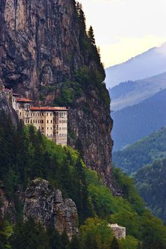 Sümela Monastery, a photo from Trabzon, Black Sea Places Around The World, Oh The Places You'll Go, Places To Travel, Places To Visit, Around The Worlds, Parc National, National Parks, Wonderful Places, Beautiful Places