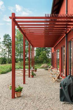 Black Pergola, Backyard House, Building A Pergola, Getaway Cabins, Canopy Design, Pergola Patio, Pergola Carport, Garden Inspiration, Garden Furniture