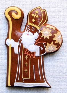Today we are looking at Moravian and Bohemian gingerbread designs from the Czech Republic. Back home, gingerbread is eaten year round and beautifully decorated cookies are given on all occasions. German Christmas Food, Christmas And New Year, Winter Christmas, Gingerbread Man, Gingerbread Cookies, Saint Nicolas, Christmas Sugar Cookies, Little Princess, Cookie Decorating