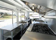 Incapower | Food Truck | Instalación de equipos Bbq Kitchen, Restaurant Kitchen, Kitchen Units, Home Decor Kitchen, Kitchen Design, Food Truck Interior, Trailer Interior, Foodtrucks Ideas, Bbq World