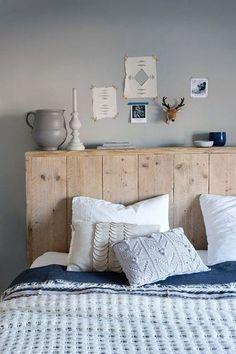 Cabecero de cama con madera