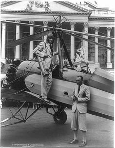 "An ""autogiro"" lands golfing Sen. Hiram Bingham on the plaza in front of the U.S. Capitol, July 9, 1931. Photoprint by Underwood & Underwood. Library of Congress Prints and Photographs Division."
