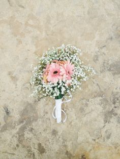 bridal bouquet of gerber daisies and baby's breath. but with orange coloured gerbers Daisy Bouquet Wedding, Floral Wedding, Wedding Flowers, Wedding Bells, Creative Wedding Ideas, Cute Wedding Ideas, Wedding Stuff, 60 Wedding Anniversary, Courthouse Wedding