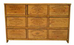 des meubles en caisse de vin