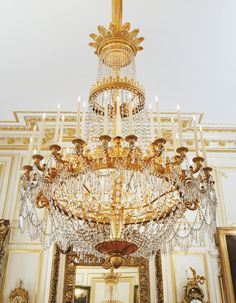A LARGE GILT-BRONZE MOUNTED CUT-CRYSTAL CHANDELIER ATTRIBUTED TO THE MAISON CHAUMONT (1790-1868), RESTAURATION, CIRCA 1820