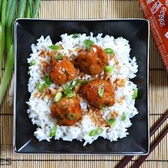 Savory garlic and ginger infuse these turkey meatballs with big flavor and the sriracha glaze adds a sweet and spicy twist. Step by step photos. Cooking Recipes, Healthy Recipes, Weekly Recipes, Easy Cooking, Cooking Time, Healthy Meals, Free Recipes, Turkey Meatballs, Veggie Meatballs
