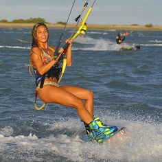 Down Loop Transition – Kite Surf Co Tutorial Surfing Uk, Wakeboarding Girl, Sup Surf, Travel Channel, Reasons To Smile, Big Waves, Big Challenge, Travel And Leisure, Adventure