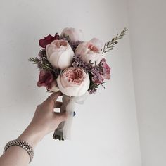 Small Flower Arrangements, Small Flowers, Beautiful Flowers, Flower Bouquet Boxes, Wedding Bouquets, Wedding Flowers, Flower Crown, Peony, Planting Flowers