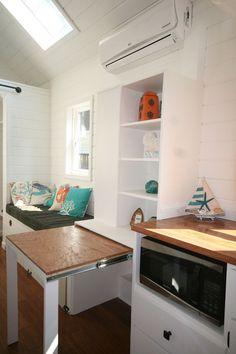 Фото из статьи: Как сэкономить место на кухне: 18 интерьеров со столами-трансформерами