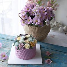 2nd. Basic class Buttercream flowercake _ #buttercreamcake #buttercreamflowercake #koreaflowercake #koreanflowercake #flowercake #플라워케이크 #플라워케익 #대구플라워케이크 #메종올리비아 #버터크림케이크 #버터크림플라워케이크 #버터케익 #버터크림플라워케익