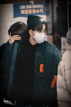 Won Woo, Seventeen Wonwoo, Diamond Life, In A Heartbeat, My Boys, Canada Goose Jackets, Beautiful People, Korea, Handsome