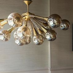 Love a half Sputnik. Part of our exclusive Murano collection this one is called Monique after a sophisticated, fabulous, elegant, and ever so witty lady I had the pleasure of dining with in L.A. @immoniquegibson #interiorstyle #interiordesign #sputnikchandelier #sputnik #lighting #muranoglass #brass #bespoke