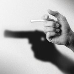 Anti-smoking : cigarette = gun