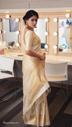 South Indian Actress Photo, Indian Actress Photos, Indian Actresses, Purple Saree, Yellow Saree, Indian Look, Dress Indian Style, Samantha In Saree, Off White Saree